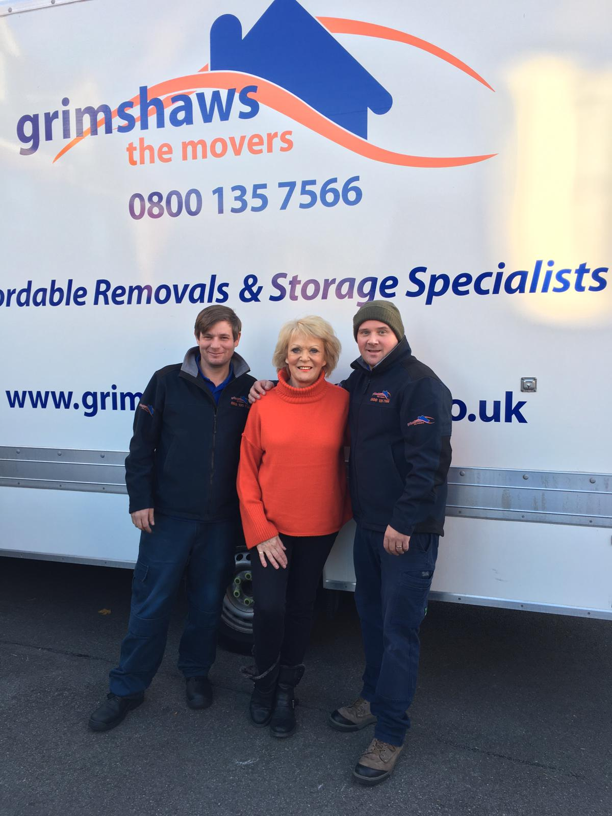 removal men and happy customer